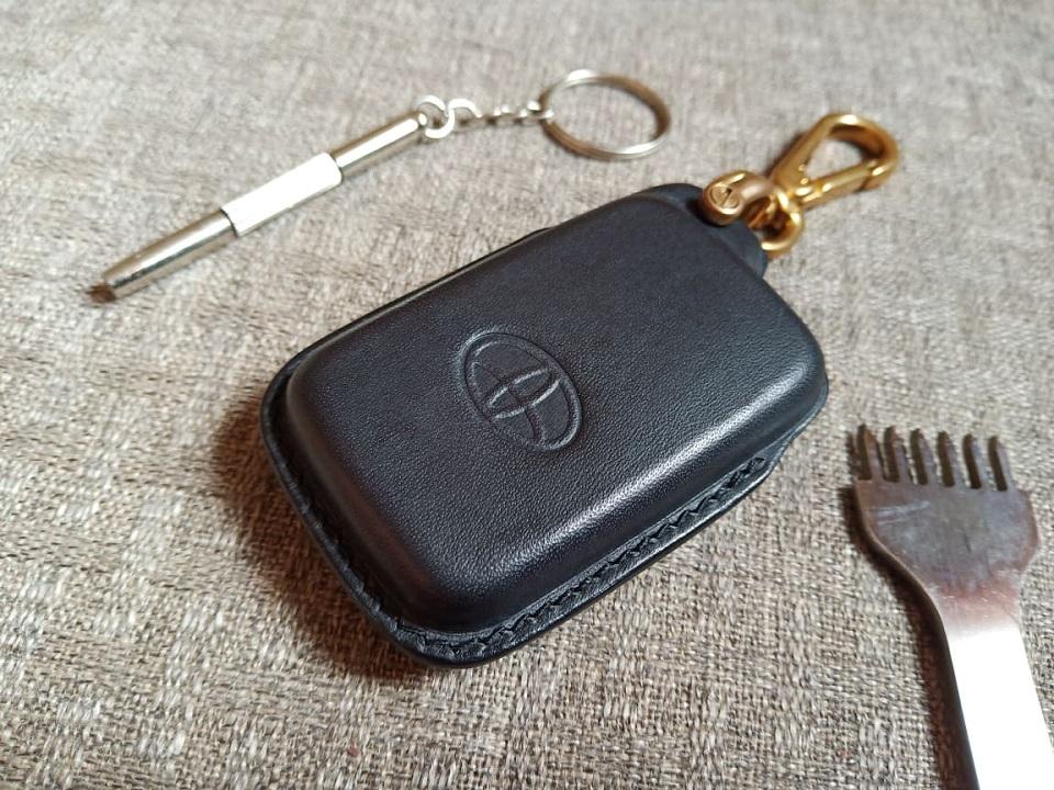 Ốp khóa Toyota Prado